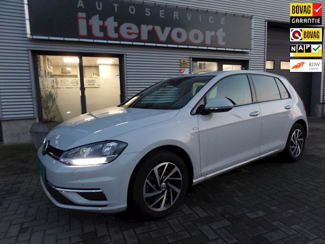 Volkswagen Golf 1.6 TDI Comfortline Business
