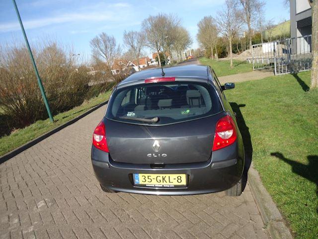 Renault Clio 1.2-16V Special Line