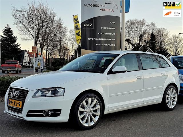 Audi A3 Sportback 1.4 TFSI Attraction Pro Line Business Led Xenon Clima Cruise Navi Boekjes Nap 5-Deurs