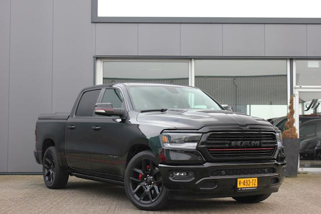 Dodge Ram 1500 5.7 V8 4x4 Crew Cab Sport BLACK PACKAGE / RED-LINE / DEMO / RIJKLAAR / INCL. LPG-G3 / DEKSEL