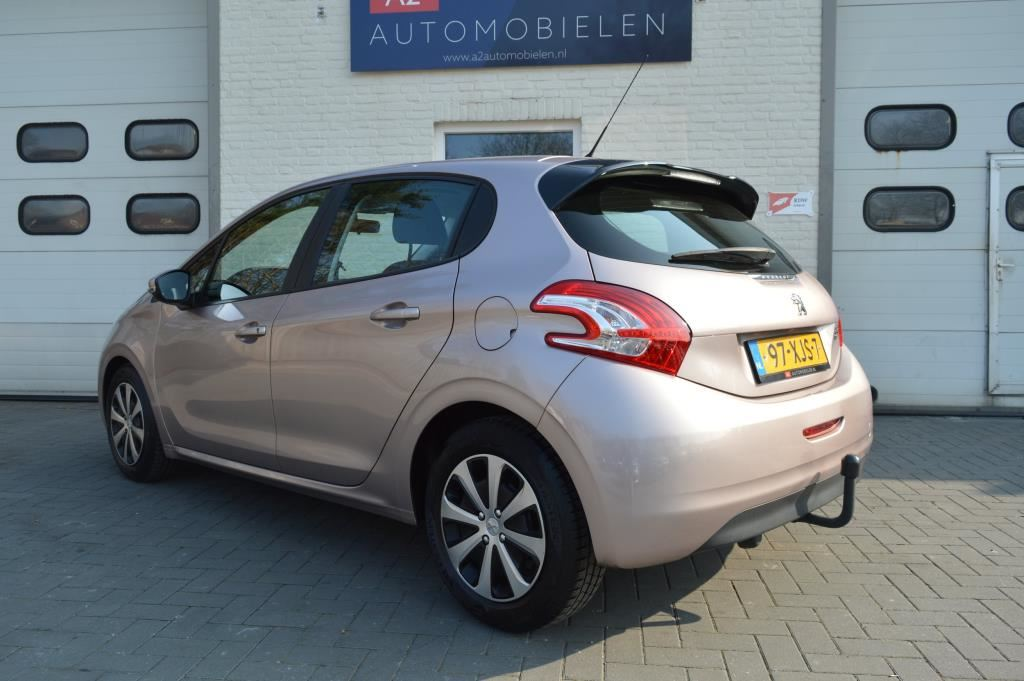 Peugeot 208 1.4 e- HDi Active AUTOMAAT,Org.nederlands,Trekhaak,Nap,Cruise,Pdc, etc