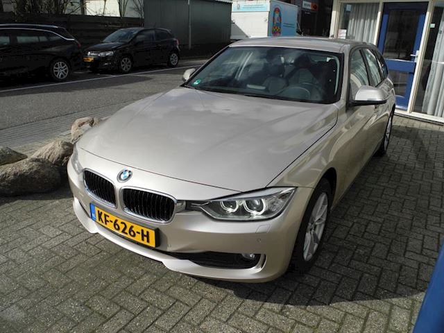 BMW 3-serie Touring 318d High Executive