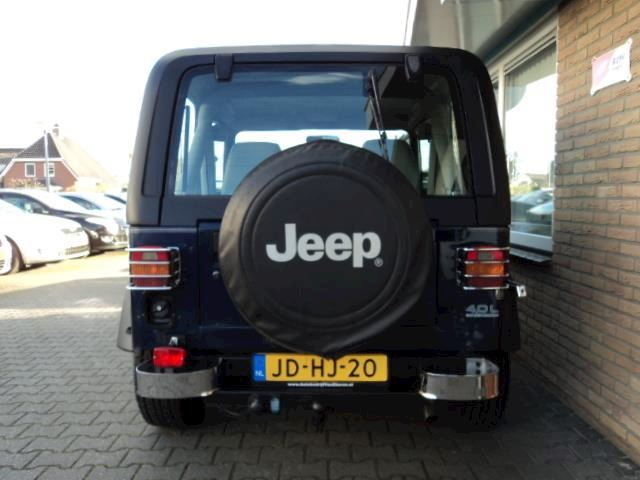 Jeep Wrangler 4.0i Hardtop 4WD