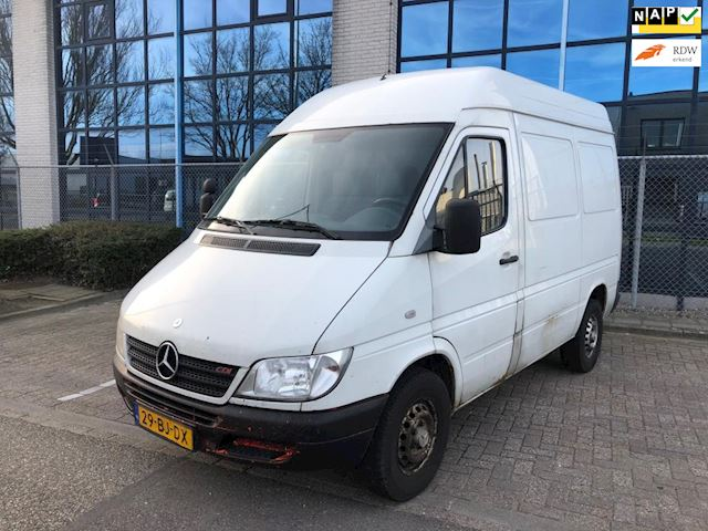 Mercedes-Benz Sprinter 311 CDI 2.2 300