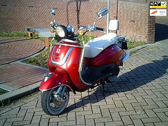 AGM Scooter occasion - R.v.G. Auto