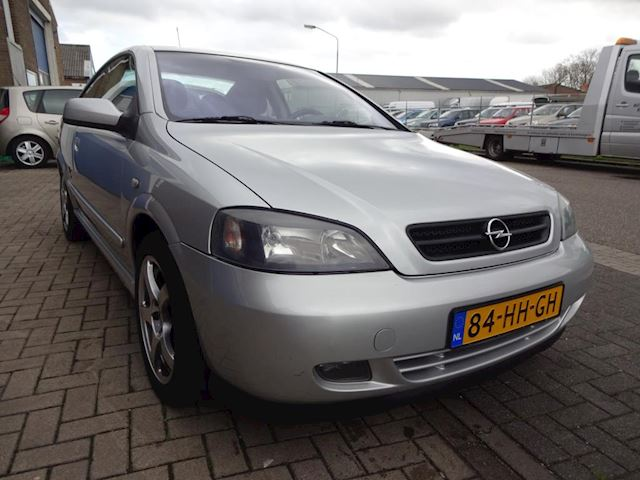 Opel Astra Coupé 2.2-16V NETTE AUTO, AUTOMAAT, AIRCO.
