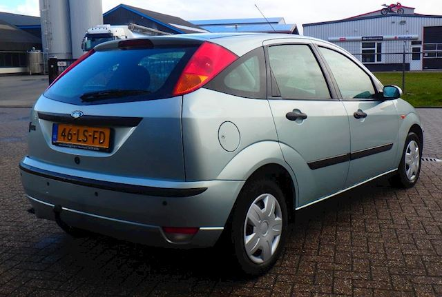 Ford Focus 1.6-16V Cool Edition !! 5 DEURS + ARCO !!