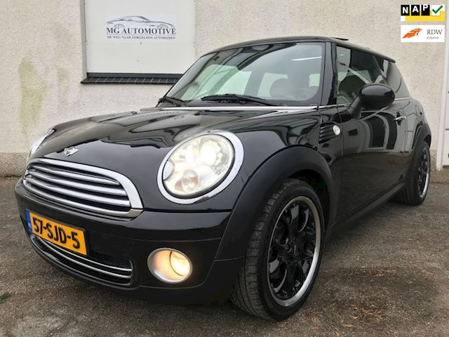 Mini Mini 1.6 Cooper Mayfair 10 Years Xenon Navi Pano Leder BTW