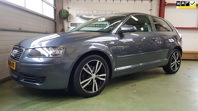 Audi A3 1.8 TFSI Attraction 160 PK F1 Flippers Pdc