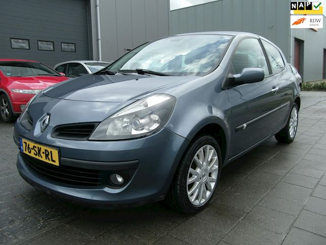 Renault Clio 1.4-16V Dynamique Luxe Airco/Cruise/Keyless/LMV