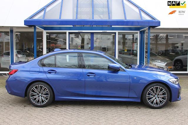 BMW 3-serie 330i High Executive