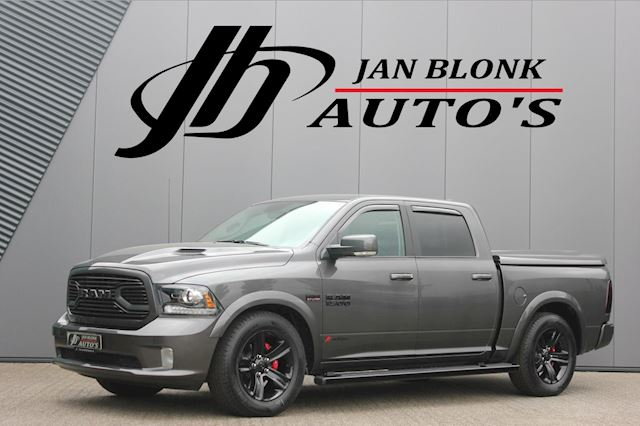 Dodge Ram 1500 5.7 V8 4x4 Crew Cab 6'4 BLACK EDITION / 47DKM / NIEUWSTAAT / TREKHAAK / SUNROOF / DEMO