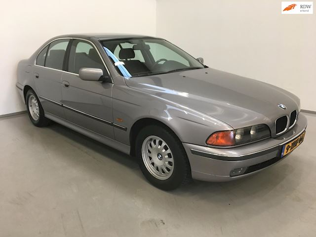 BMW 5-serie 523i / Automaat / Airco