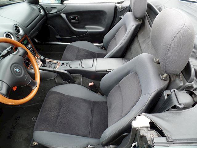 Mazda MX-5 1.6i in een zeer goede staat
