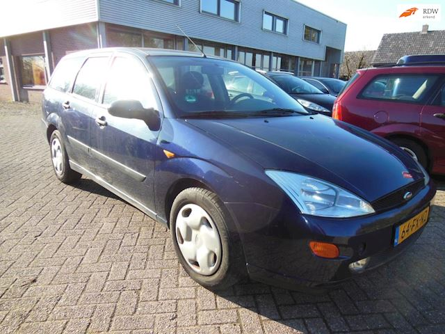 Ford Focus Wagon 1.8-16V Trend 2000  950,-