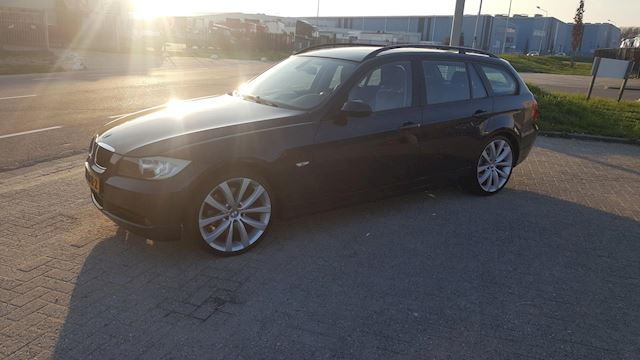 BMW 3-serie Touring 320d Dynamic Executive