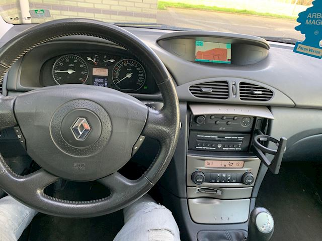 Renault Laguna 2.0-16V T Initiale Leder/Navi/PDC/Vol opties