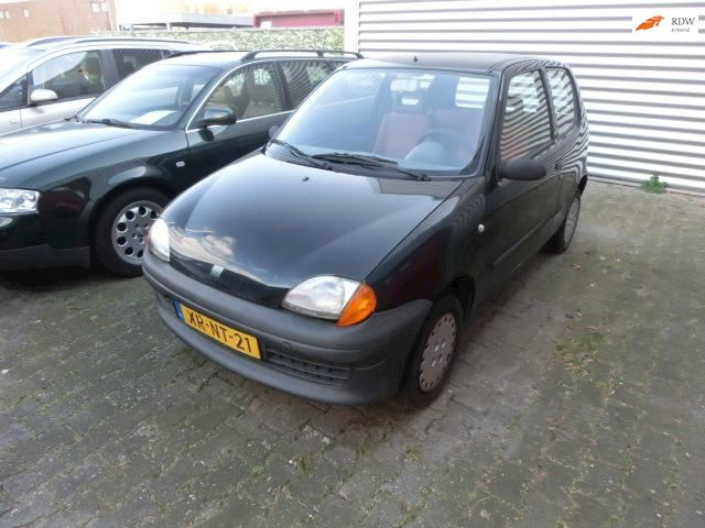 Fiat Seicento 900 ie Young INRUILKOOPJE