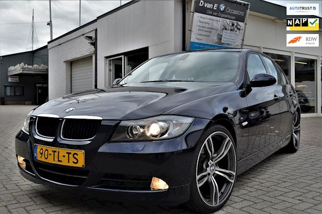 BMW 3-serie 320i High Executive 19