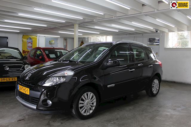 Renault Clio Estate 1.2 TCE Collection Nederlands geleverd,