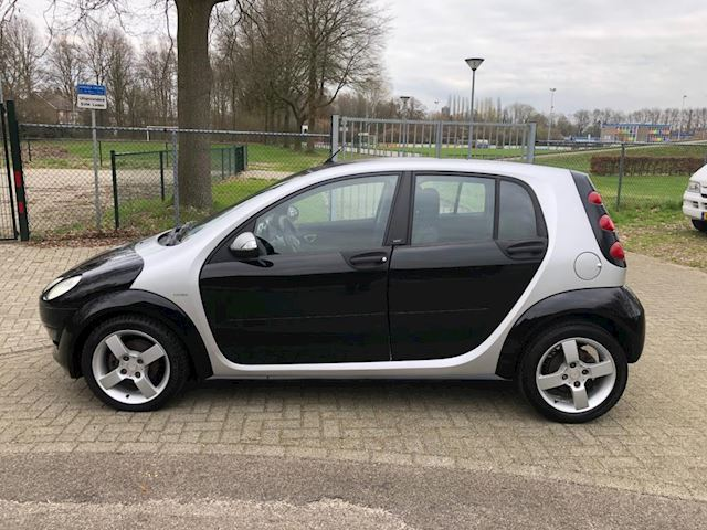 Smart SMART FORFOUR 1.5 automaat 154584km