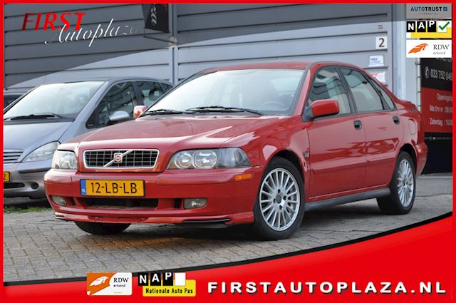 Volvo S40 2.0 T Europa AUTOMAAT AIRCO/NAVI/CRUISE NETTE YOUNGTIMER !