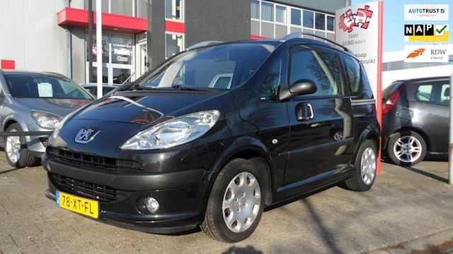 Peugeot 1007 1.4-16V Gentry Paasshow Clima Cruise PDC 70.000 Km NAP