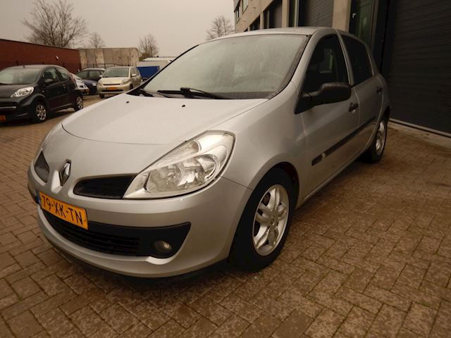 Renault Clio 1.2-16V Business Line Nette Clio 1.2 Airco-pdc-N.A.P.-185.242KM