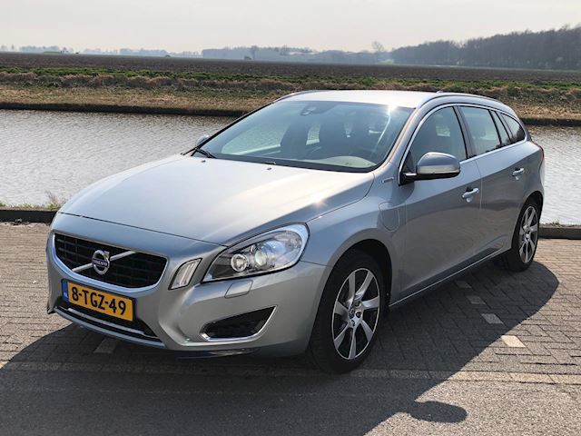 Volvo V60 2.4 D6 AWD Plug-In Hybrid Pure Limited