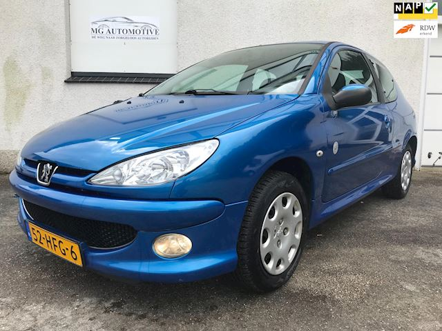 Peugeot 206 1.4 Génération airco, nl auto, distributieriem is vervangen