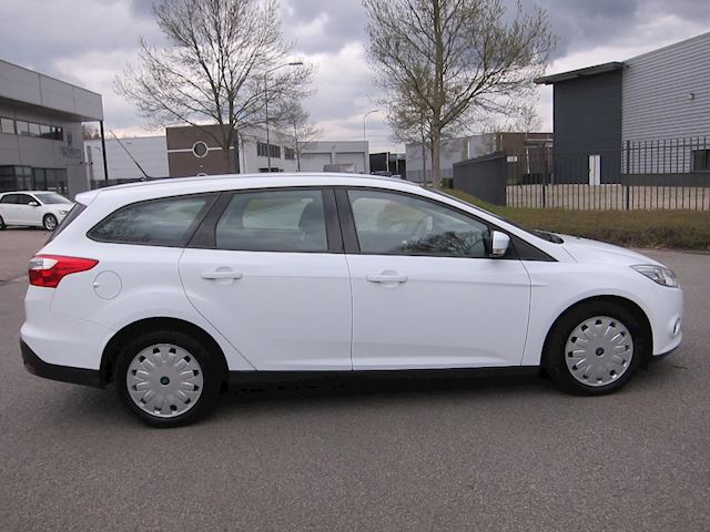 Ford Focus Wagon 1.6 TDCI ECOnetic Lease Trend NAVI CRUISE PDC !!!