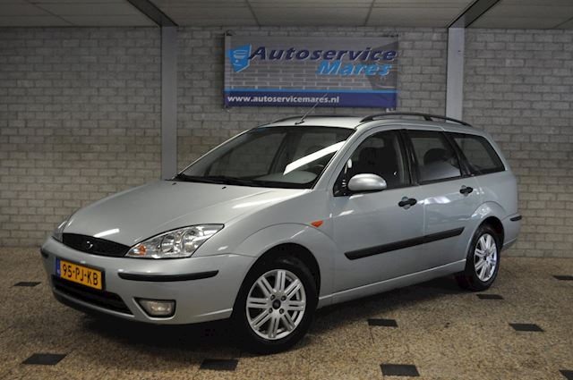Ford Focus Wagon 1.6-16V Futura leder. ECC, trekhaak, voorruit verwarming