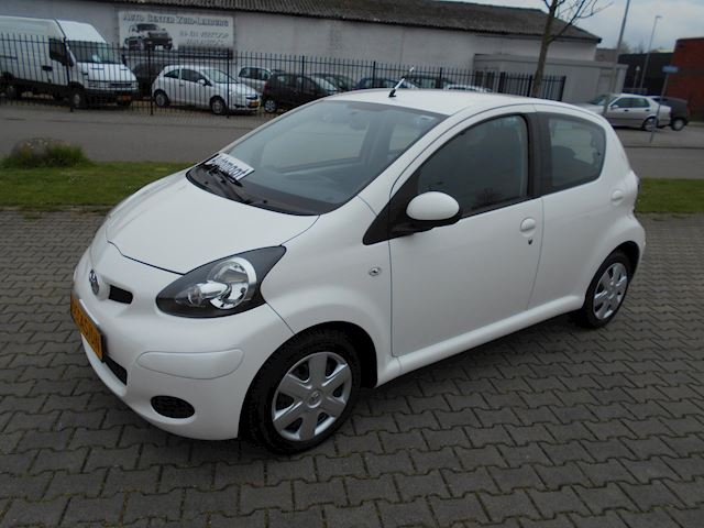 Toyota Aygo 1.0-12V Cool Automaat