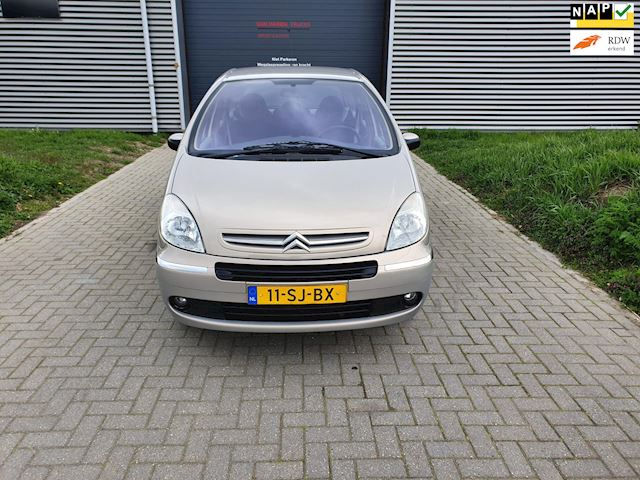 Citroen Xsara Picasso 1.8i-16V Attraction gas/benz