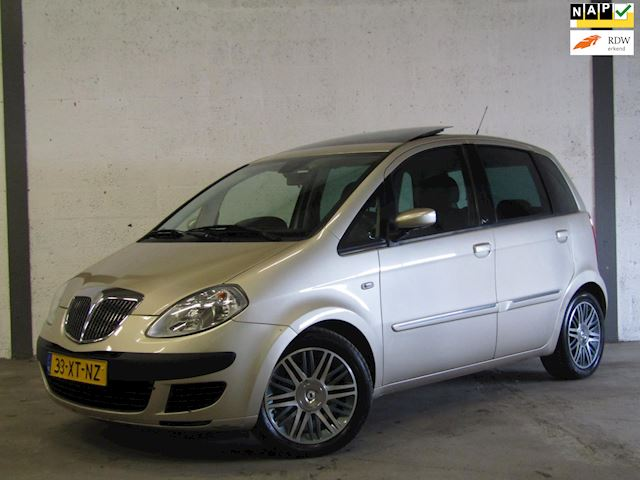 Lancia Musa 1.4-16V Platino DFN AUT, Clima, Cruise, Panodak, Pdc, Nette Staat !!