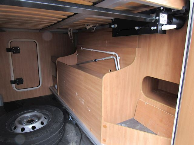 Chausson Flasch 16 hefbed+vast dwarsbed 131pk Airco 2010