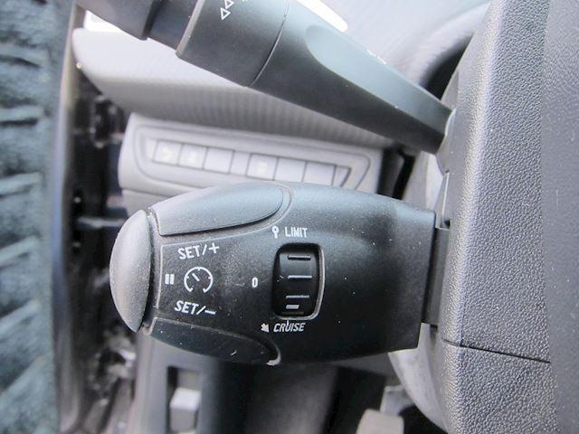 Peugeot 2008 1.2 PureTech Style NAVI PDC 1e EIGENAAR 77000 KM!!