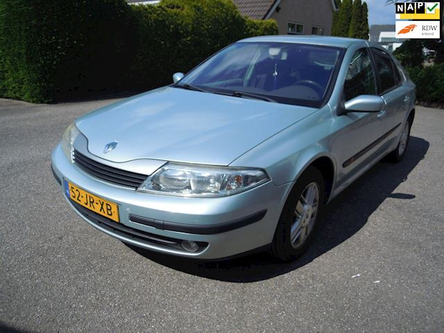 Renault Laguna 1.6-16V Authentique