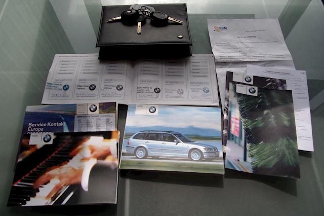 BMW 3-serie Touring 318i Executive NWE APK & NAP