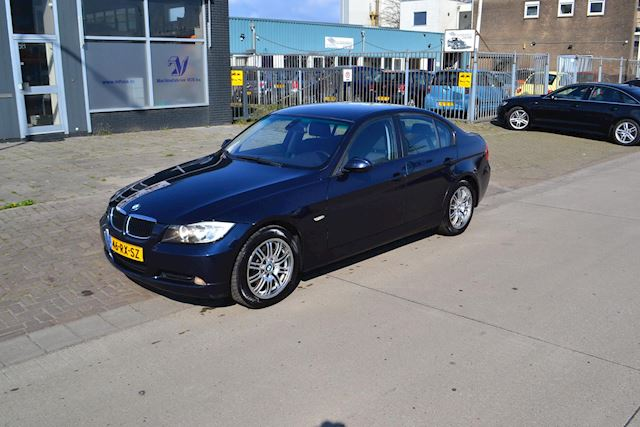 BMW 3-serie 320i Dynamic Executive