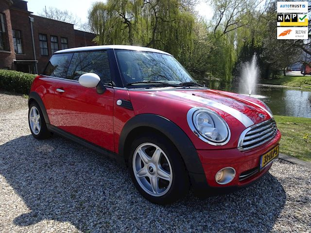 Mini Mini 1.6 Cooper Business Line  AIRCO/cruise *apk:02-2020*