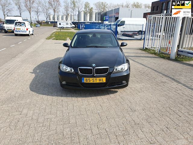 BMW 3-serie 318d Business Line