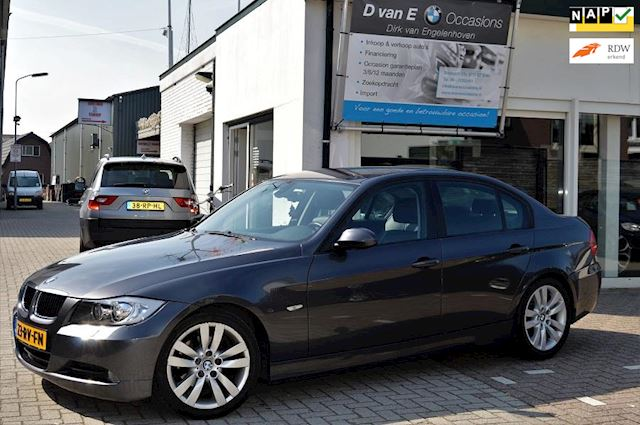 BMW 3-serie 320i Dynamic Executive sport leder xenon cruise