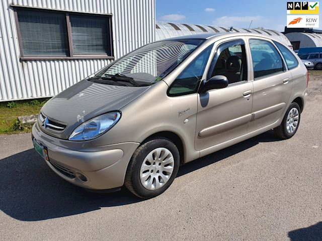 Citroen Xsara Picasso 2.0i-16V Exclusive