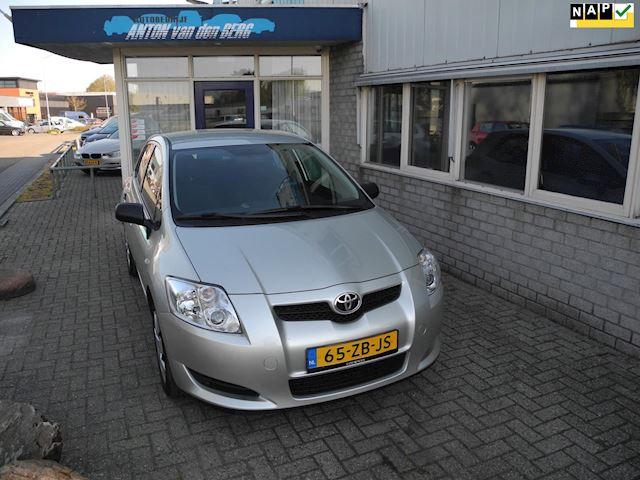 Toyota Auris 1.4-16V Terra