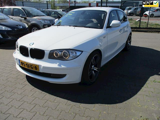 BMW 1-serie 116i EffDyn. Ed. Business Line Ultimate Edition BMW 1-serie 116i EffDyn. Ed. Business Line Ultimate Edition