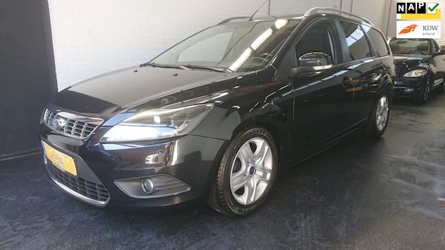 Ford Focus Wagon 1.6 Black Edition Navigatie / Cimate & Cruise control