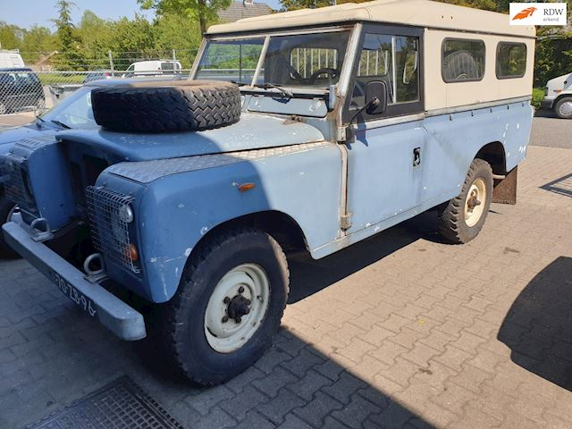 Land Rover 109 METAL TOP occasion - Bronkhorst Banden & Autoservice