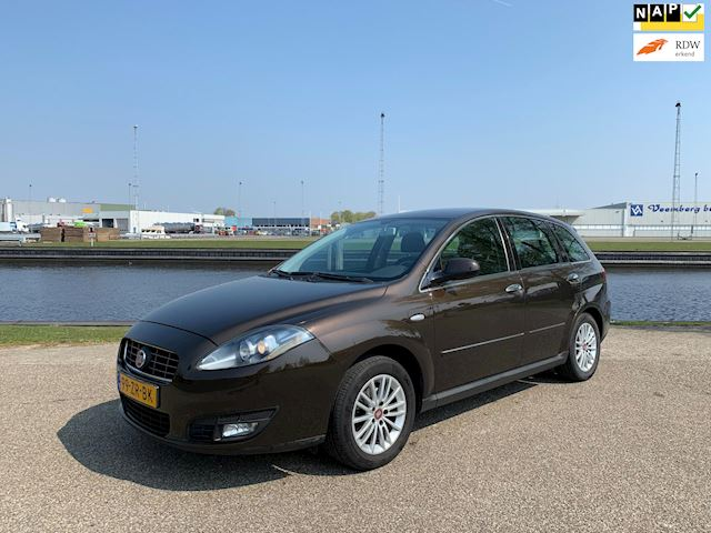 Fiat Croma 2.2 16v Dynamic Automaat, Climate control, Nieuw model!