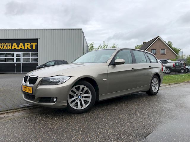 BMW 3-serie Touring 318d Corporate Lease Executive /LEER/